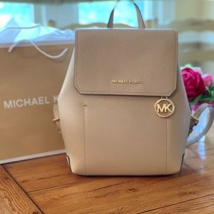 NEW!!! Michael Kors Hayes backpack Color Bisque
